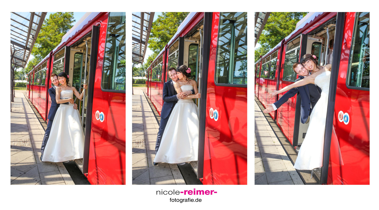 Brautpaar in der Straßenbahn