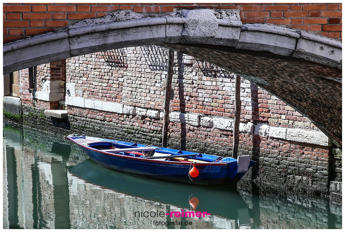 Boot im Kanal-Nicole Reimer Fotografie