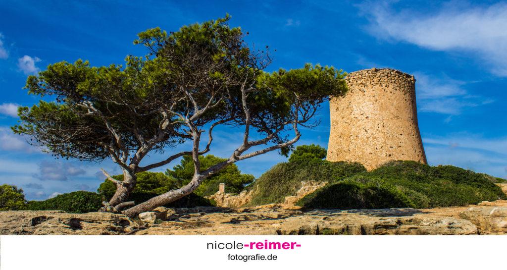 Turm bei der Cala Pi - Nicole Reimer Fotografie