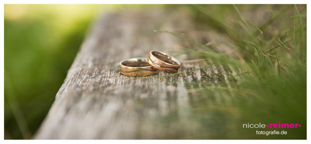 Trauringe fotografieren_Nicole Reimer Hochzeitsfotografie_2